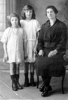 Alice and daughters