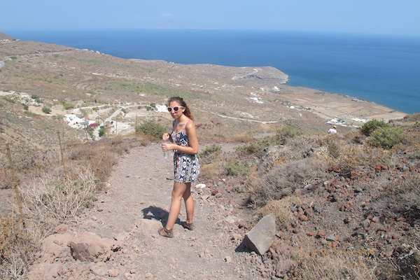 Path to Oia